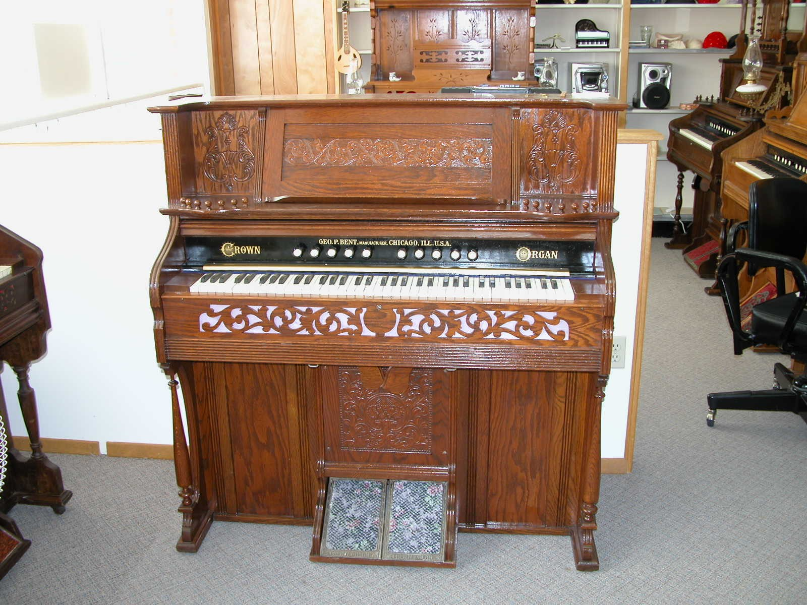 1902 Crown Organ Co. I.D. No. # 58