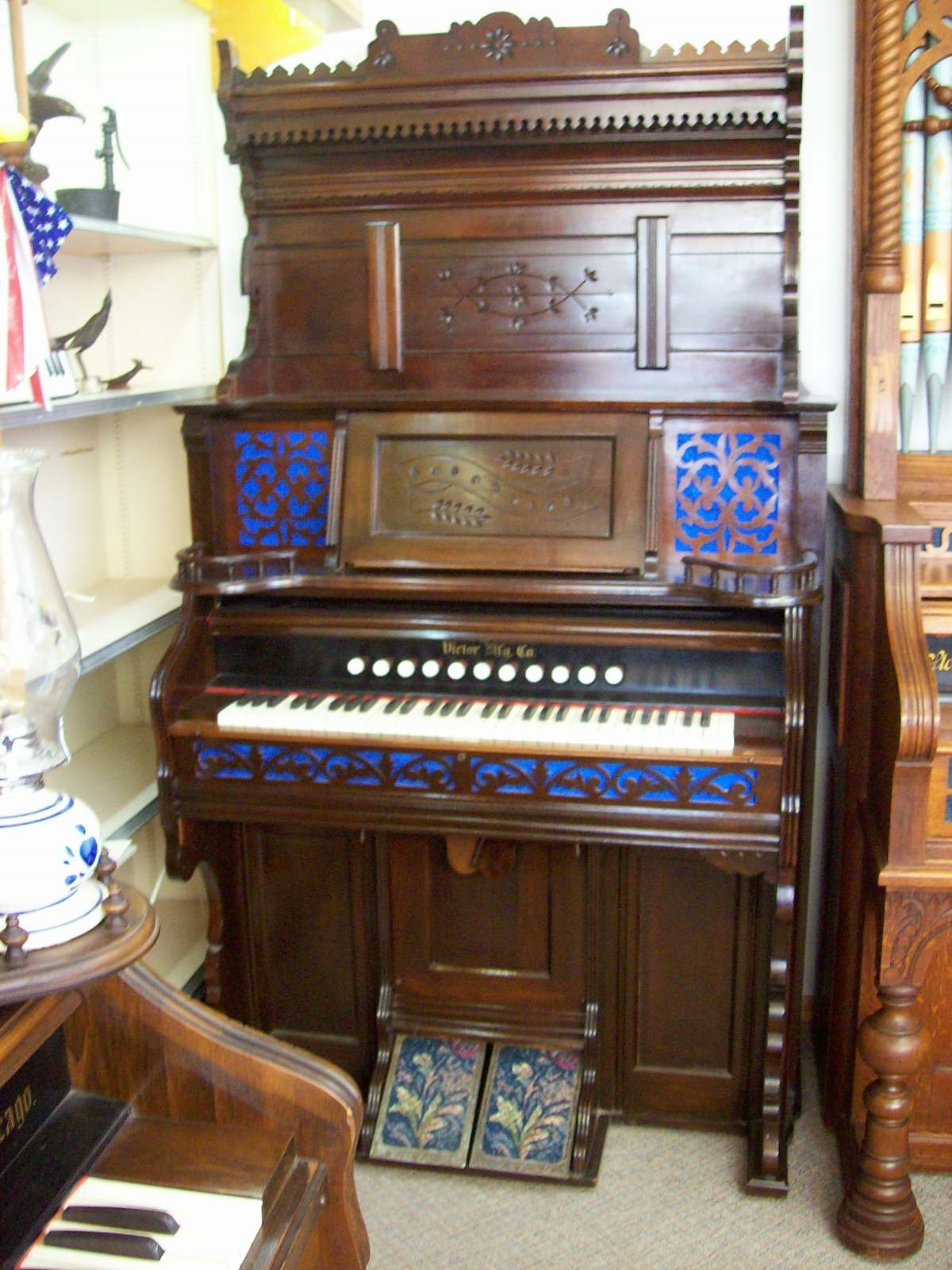 1903 Victoria Organ Co. I.D. No. #76