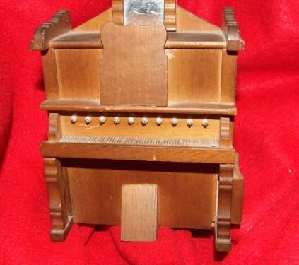 Pump Organ Music Box